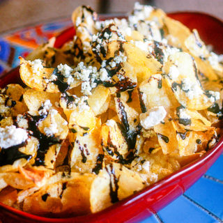 Balsamic Kettle Chips with Blue Cheese and Truffle Oil   JenniferCooks.com