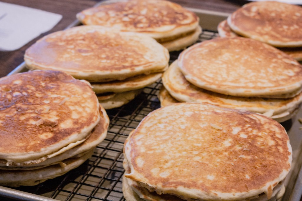 sourdough pancakes recipe | jennifercooks.com