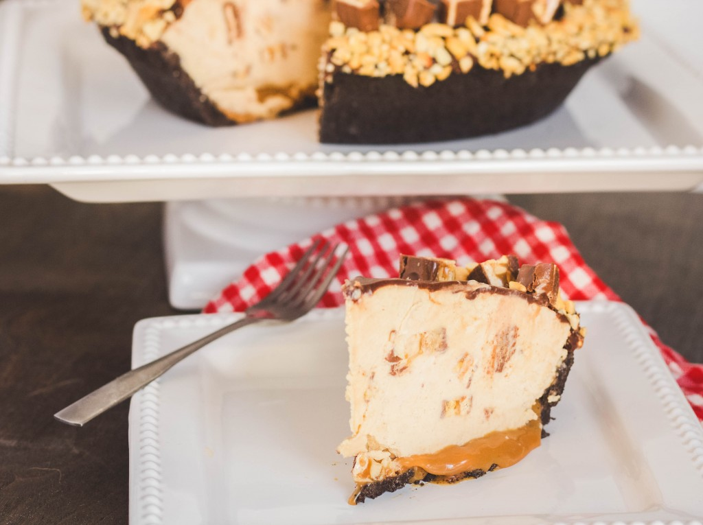 mile-high-snickers-pie | JenniferCooks.com