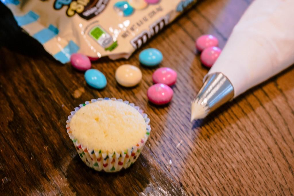 m&ms-easter-sundae-lemon-mini-muffins-recipe-13