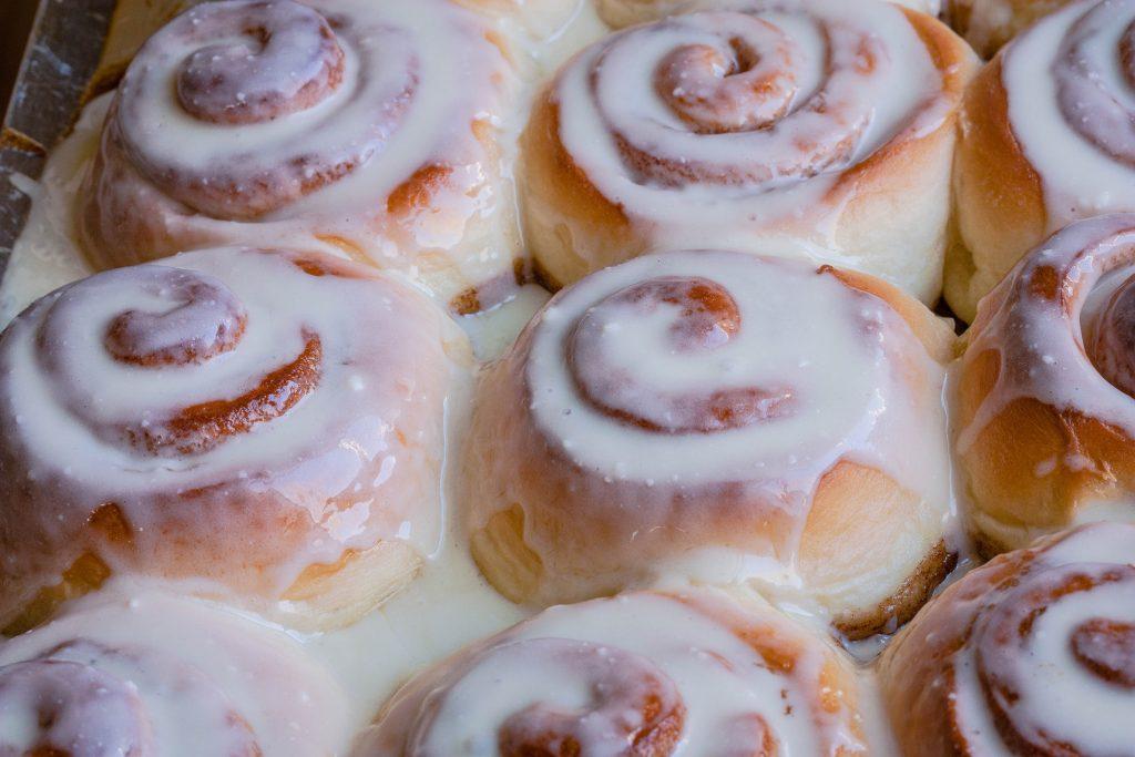 best-cinnabon-cinnamon-rolls-recipe-4