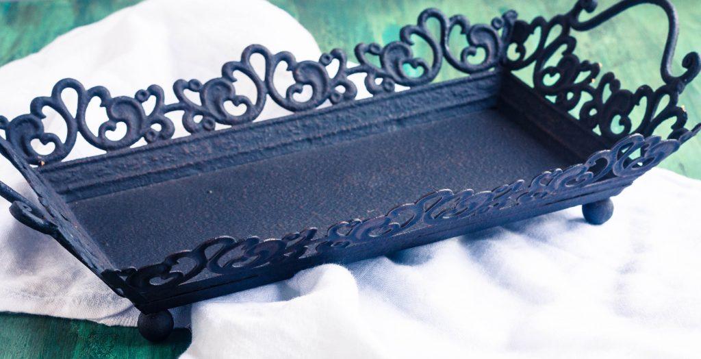bits-of-vintage-black-tray-3