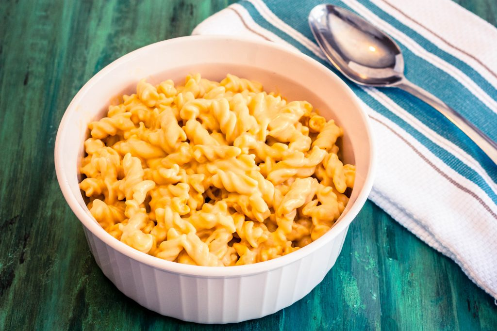 Creamy Macaroni and Cheese Recipe | JenniferCooks.com