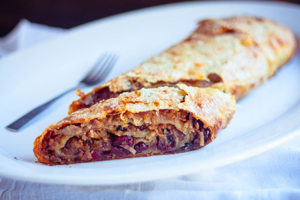 Czech Apple Strudel Recipe | JenniferCooks.com