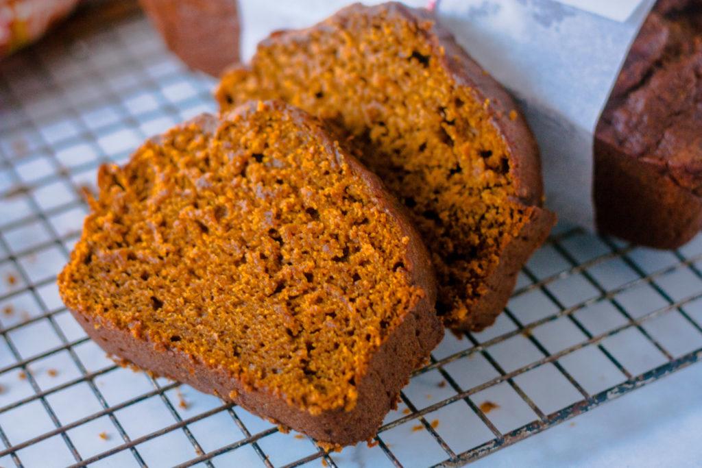 Amish Pumpkin Bread   JenniferCooks.com